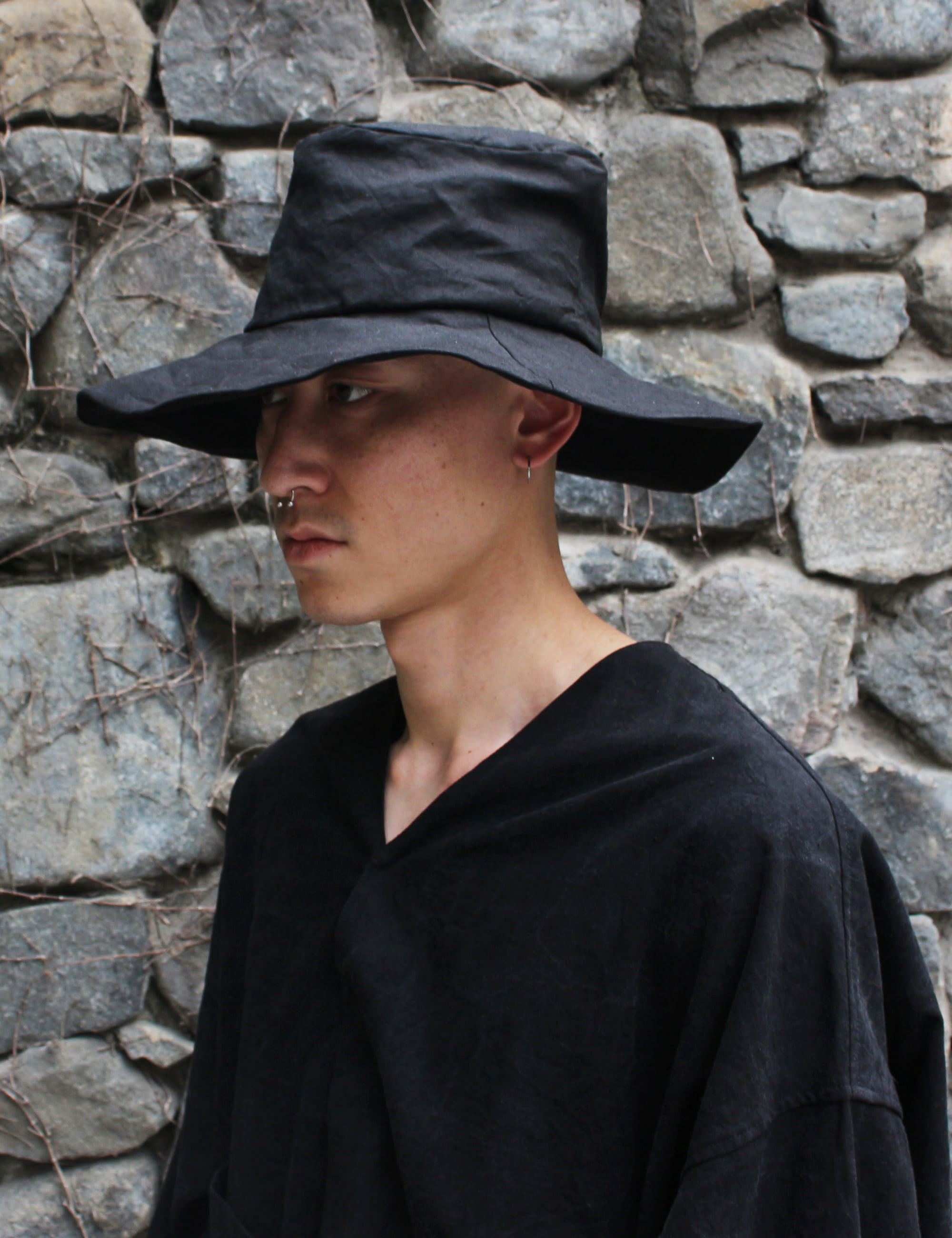 Der Antagonist AW20 LOOKBOOK