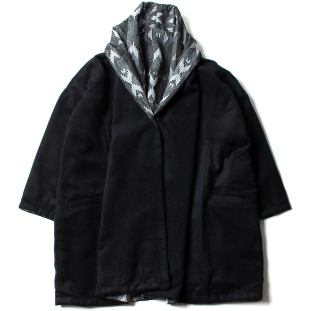 AGUAYO REVERSIBLE COAT_B_ARROW