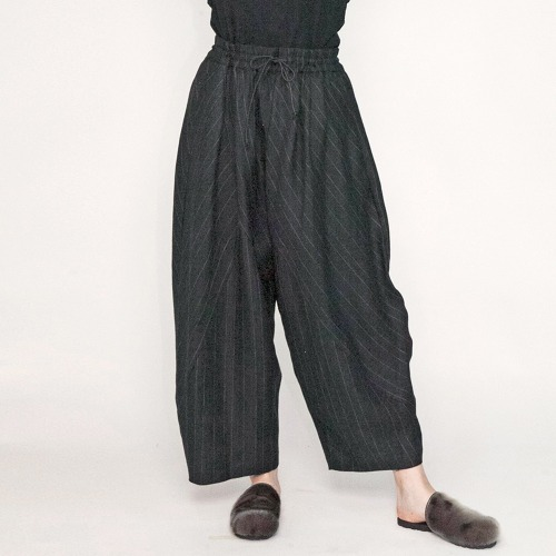 STRIPE LINEN WIDE EASY PANTS_BLACK