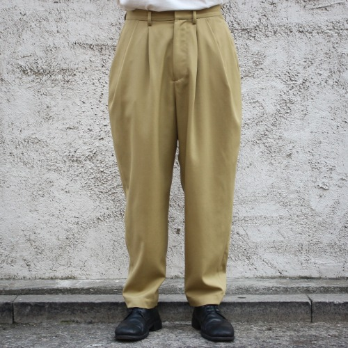 OVER TUCK PANTS_SAND YELLOW