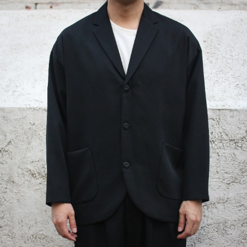 THREE BUTTON JACKET_BLACK