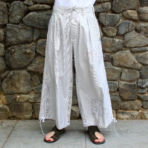 HAND EMBROIDERY BAND WIDE PANTS_WHITE STRIPE
