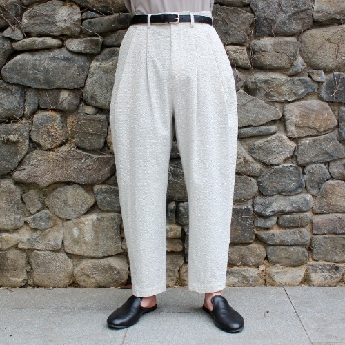 SEERSUCKER OVER TUCK PANTS_IVORY