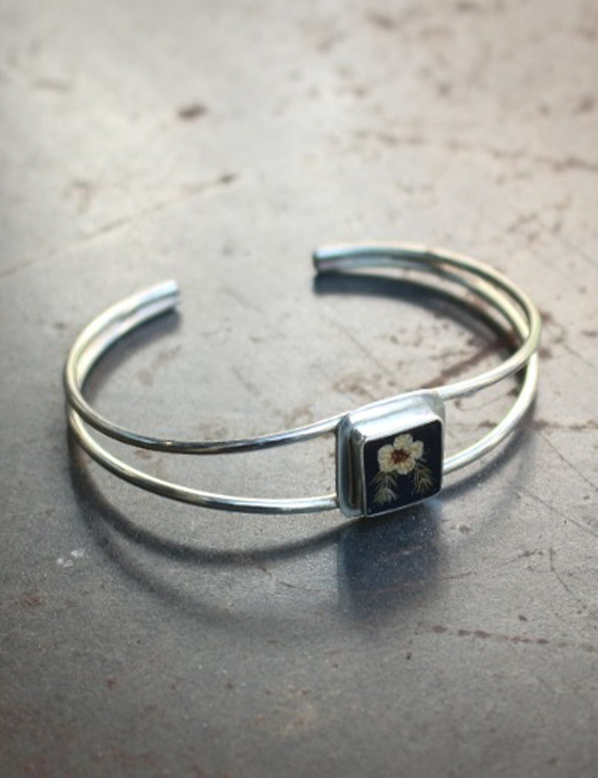 FLOWER EXTRAFINE SQUARE BRACELET_BLACK