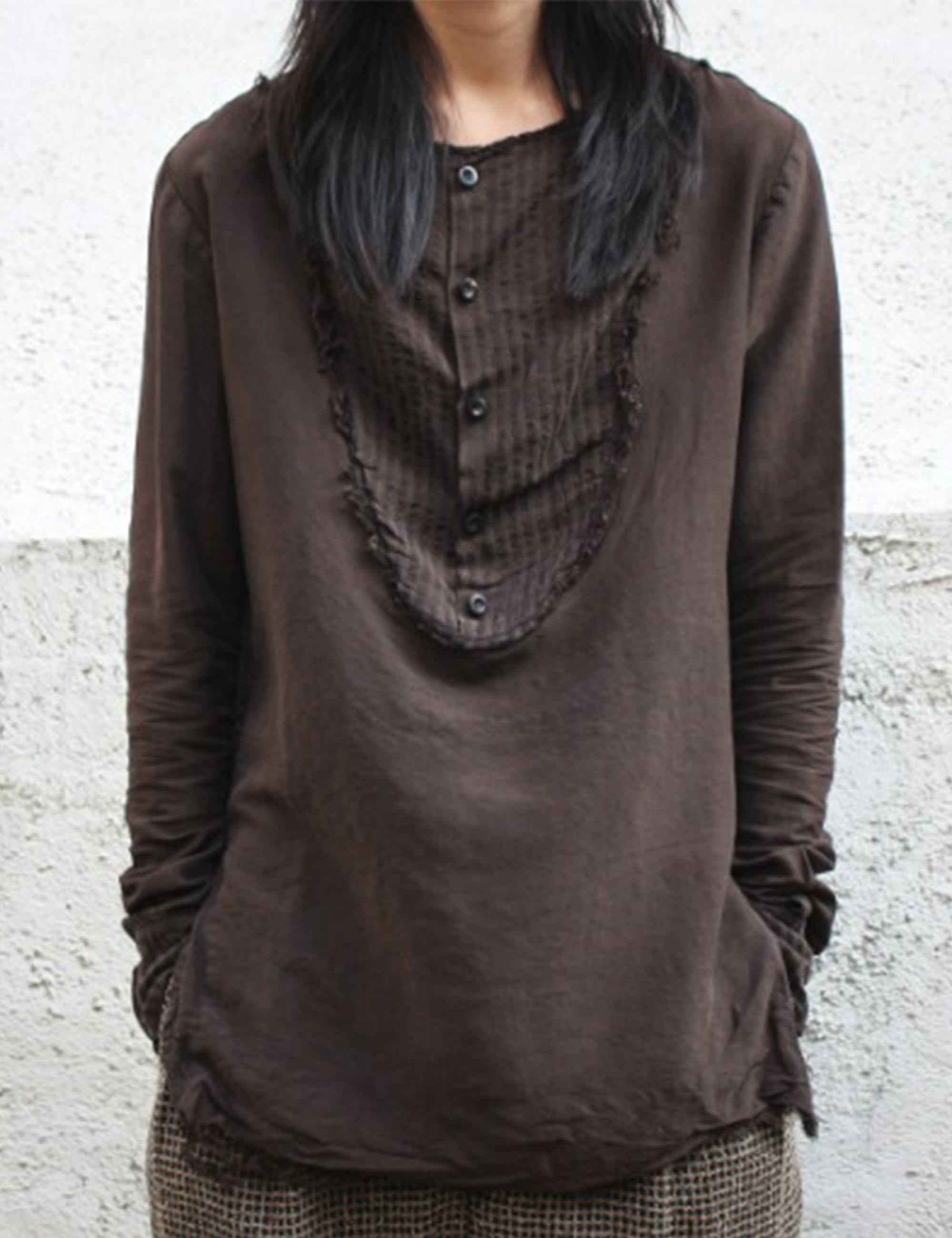 [EXCLUSIVE] COLLARLESS BIB SHIRT_PEARL/BROWN