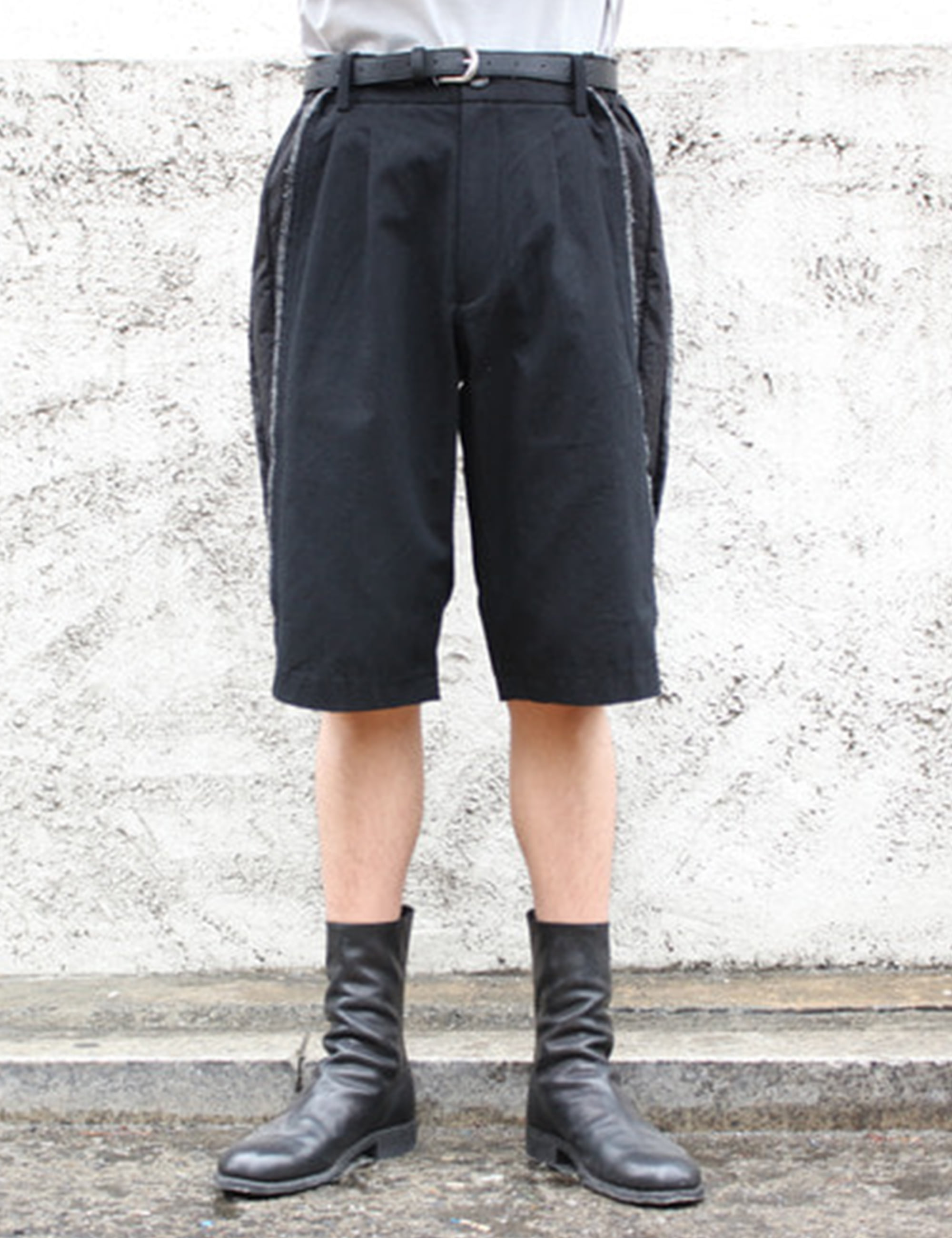 SLICED TAILORED SHORTS_BLACK