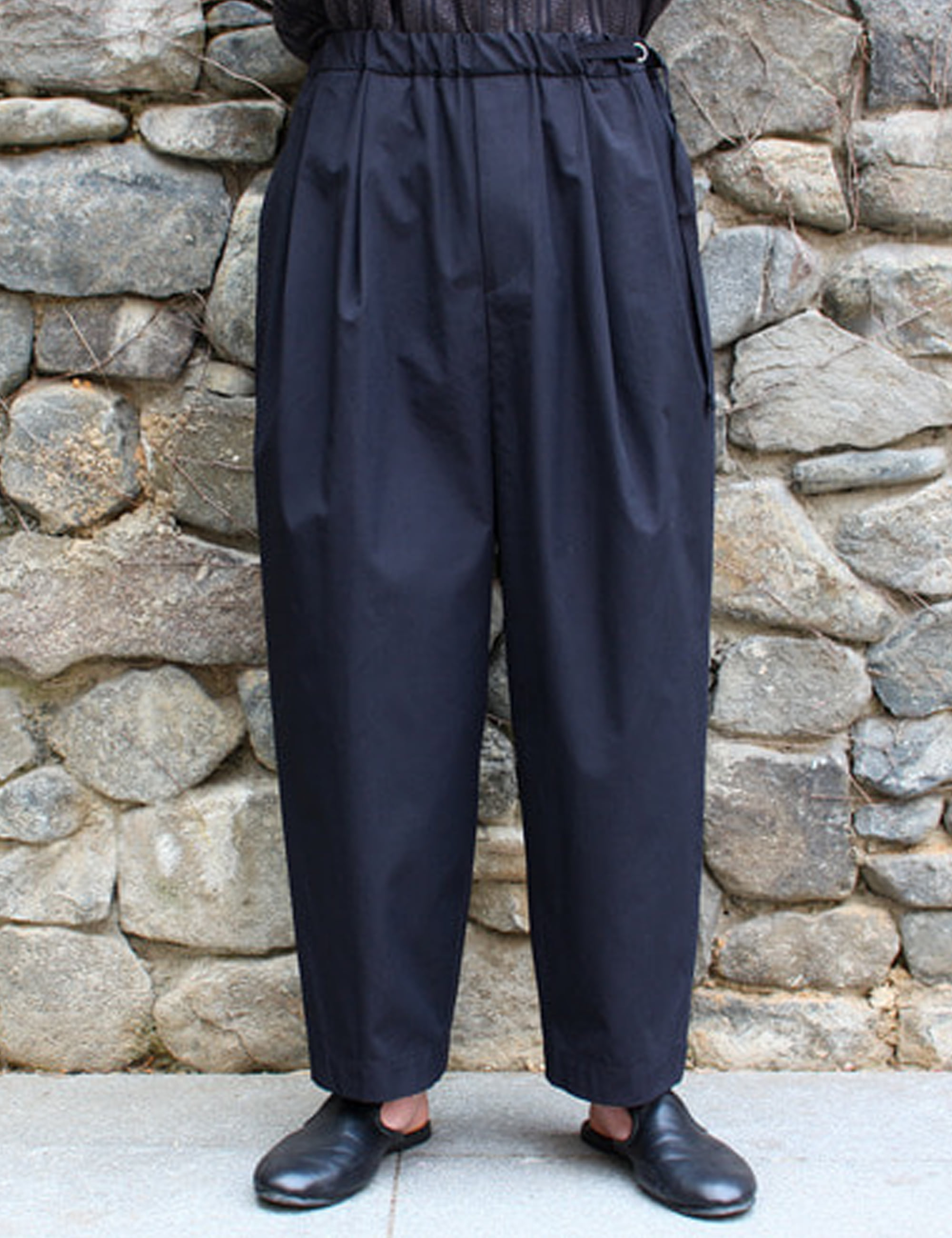 CHINO TUCK WIDE PANTS_BALCK