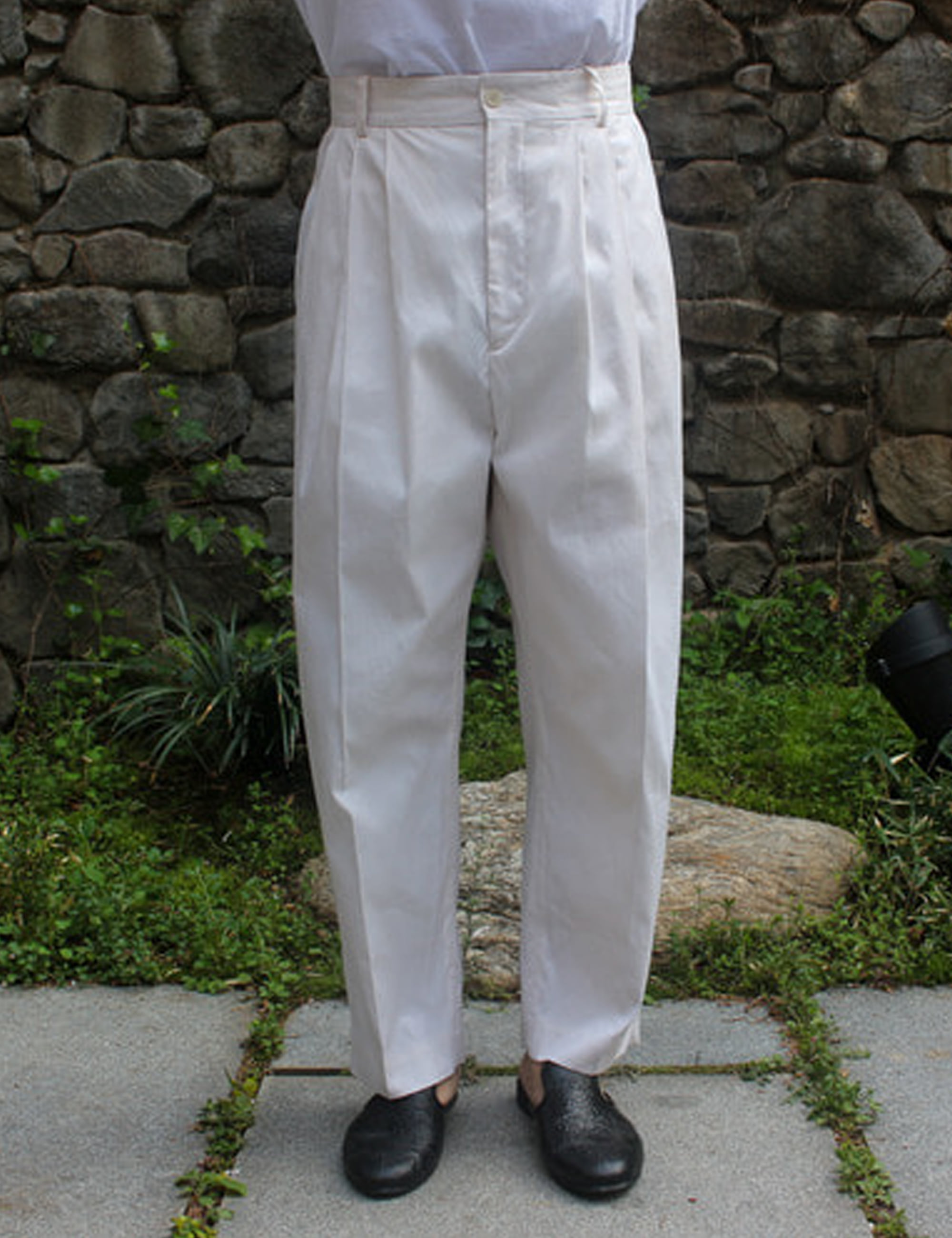 4 PLEAT PANTS_WHITE