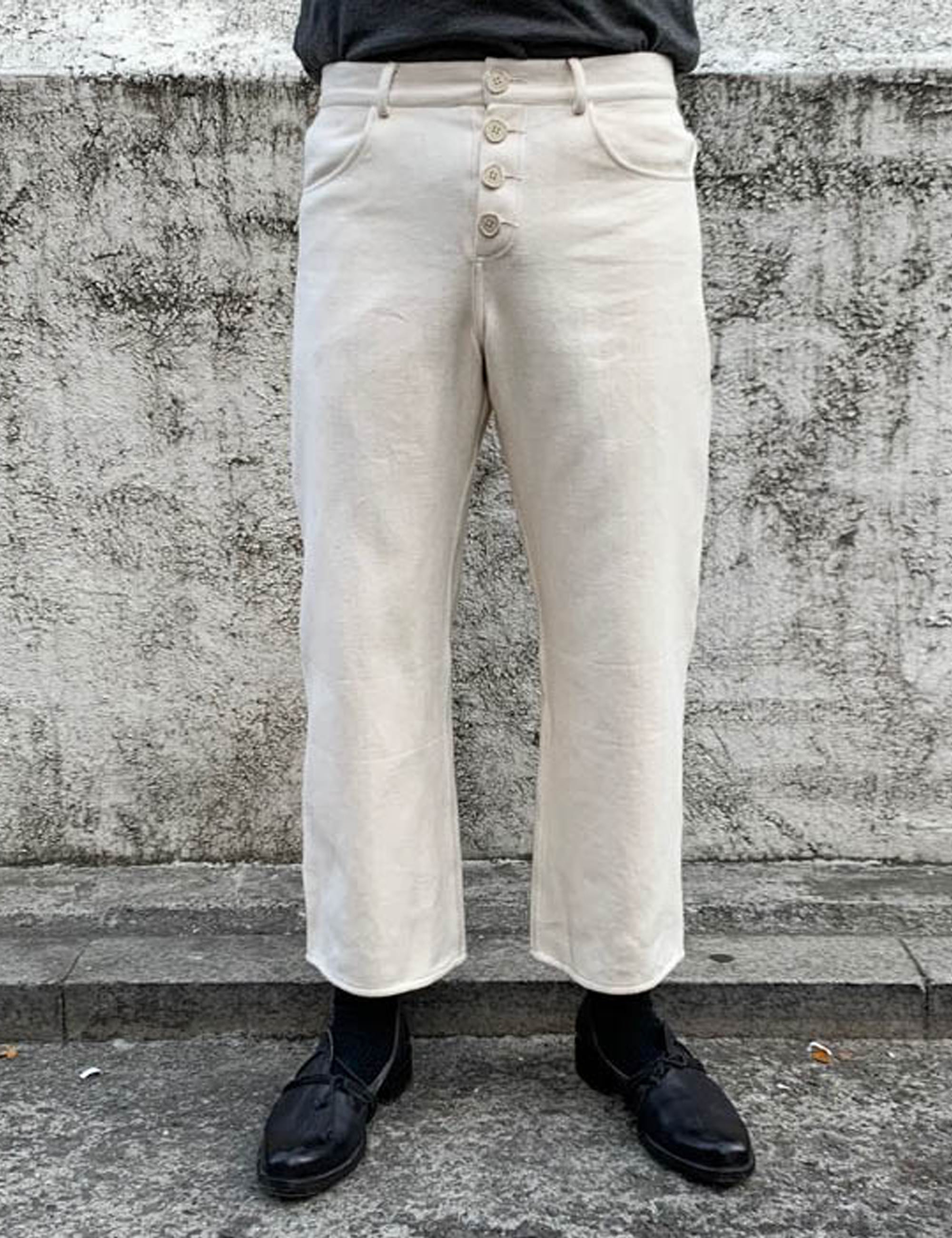 UNDYED JEANS
