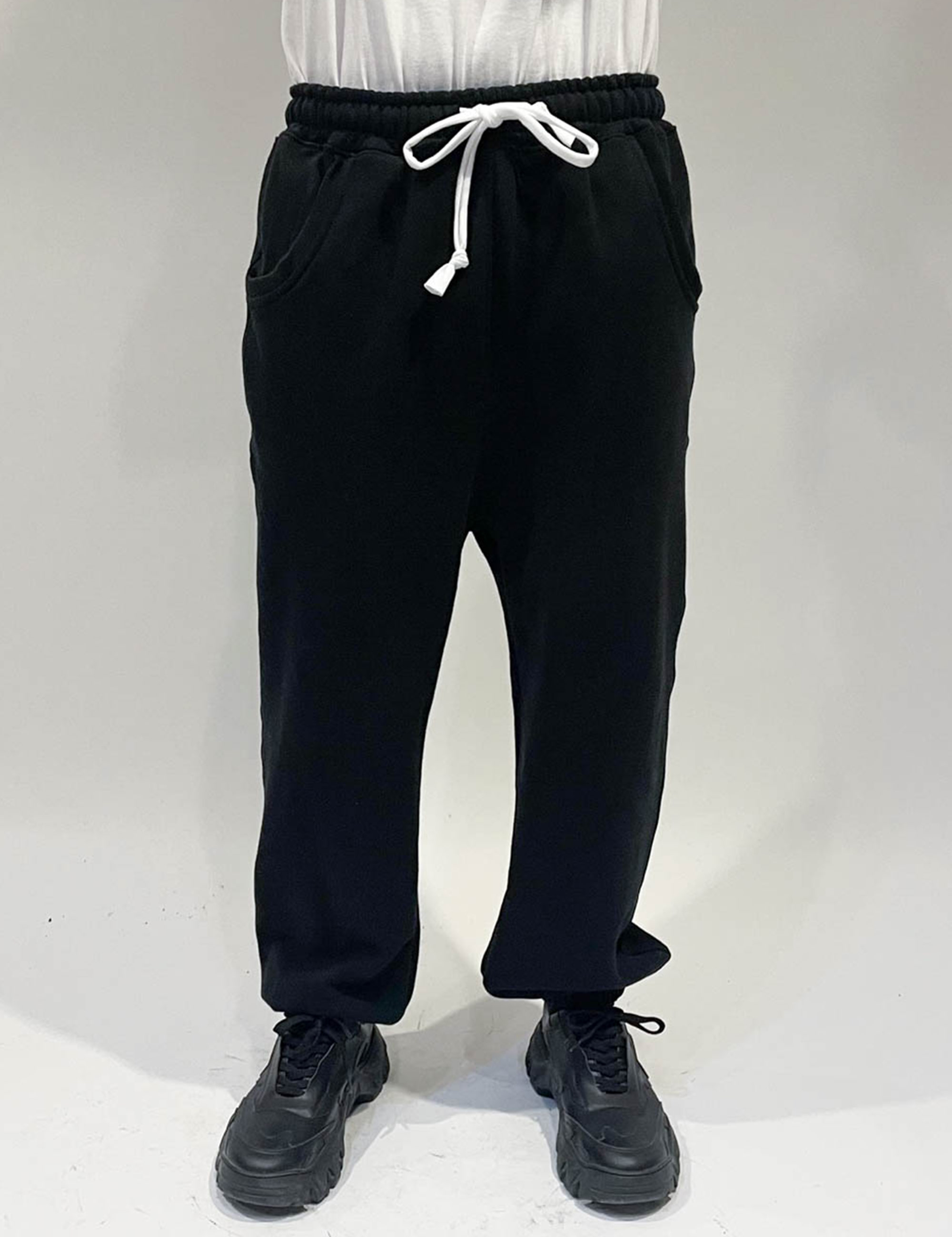 STANDARD SWEATPANT _BLACK