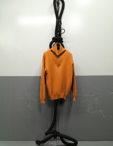 SGL_ANTI_COTTON_ZIP_SWEATER_LOQUAT