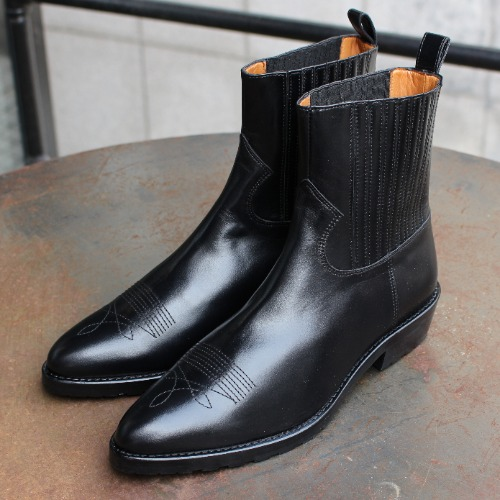 BLACK HARD LEATHER BOOTS