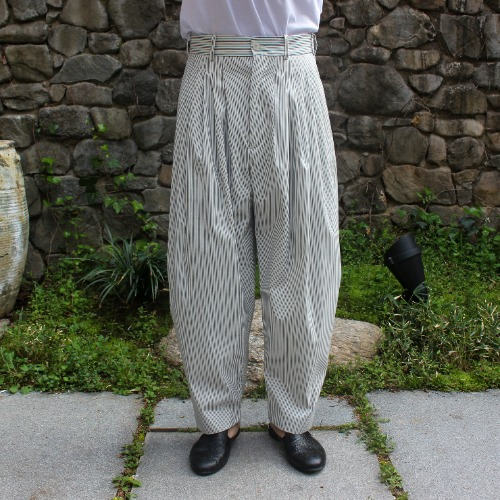 24 PLEAT PANTS_PIN STRIPES