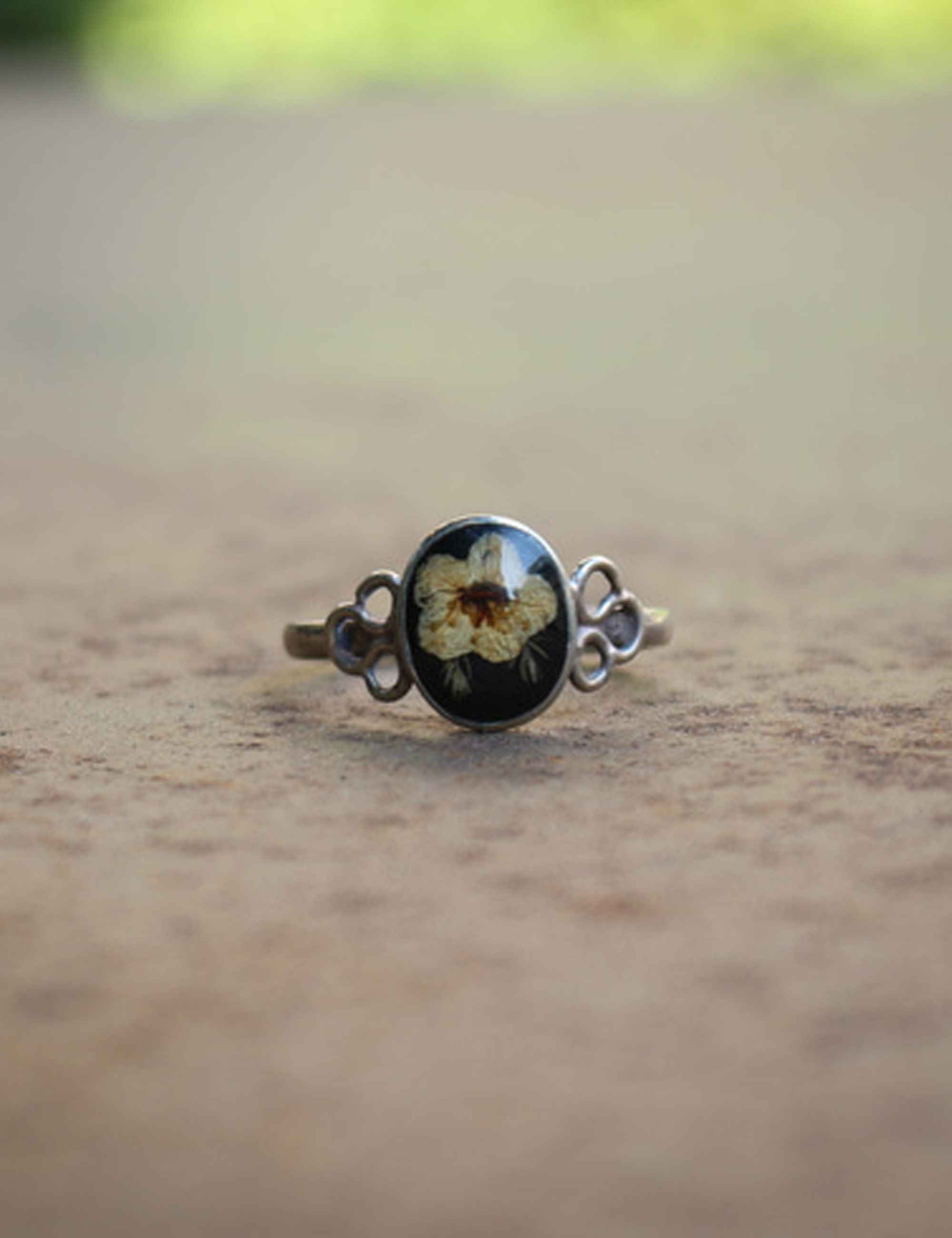 FLOWER OVAL RING_BLACK