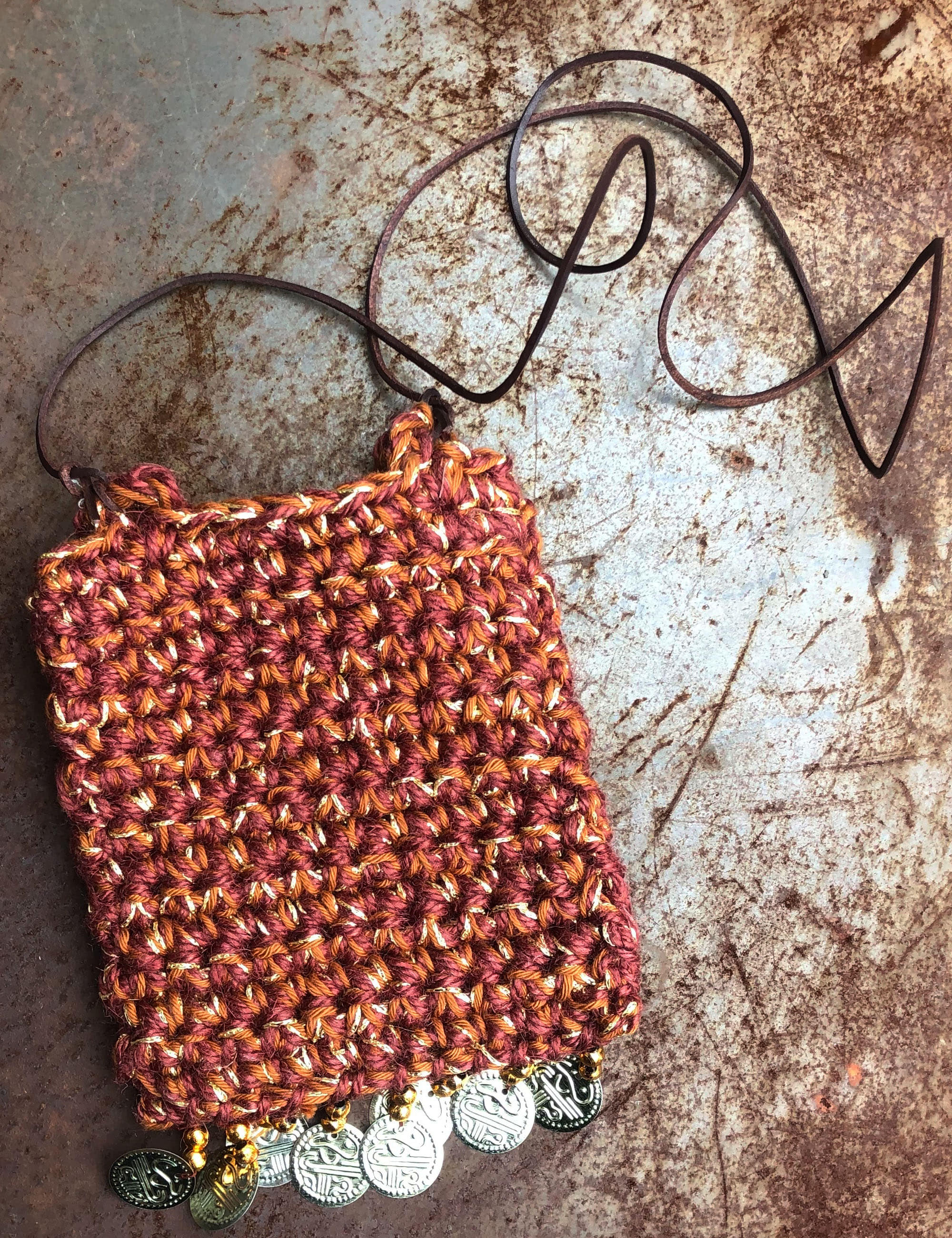 CROCHETTE NECK POUCH_RED/GOLD