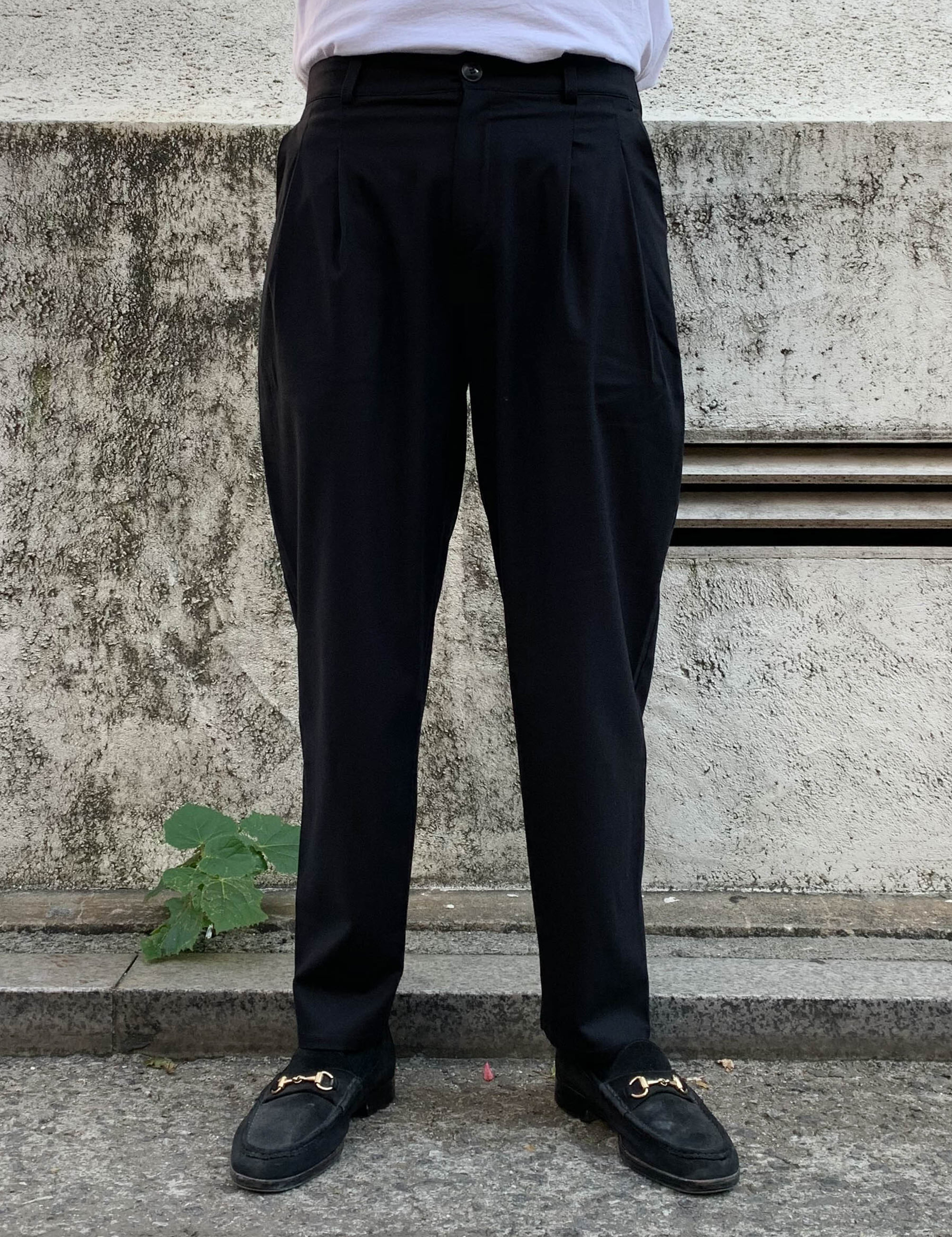 PLEATED WIDE TROUSERS_BLACK FLANNEL
