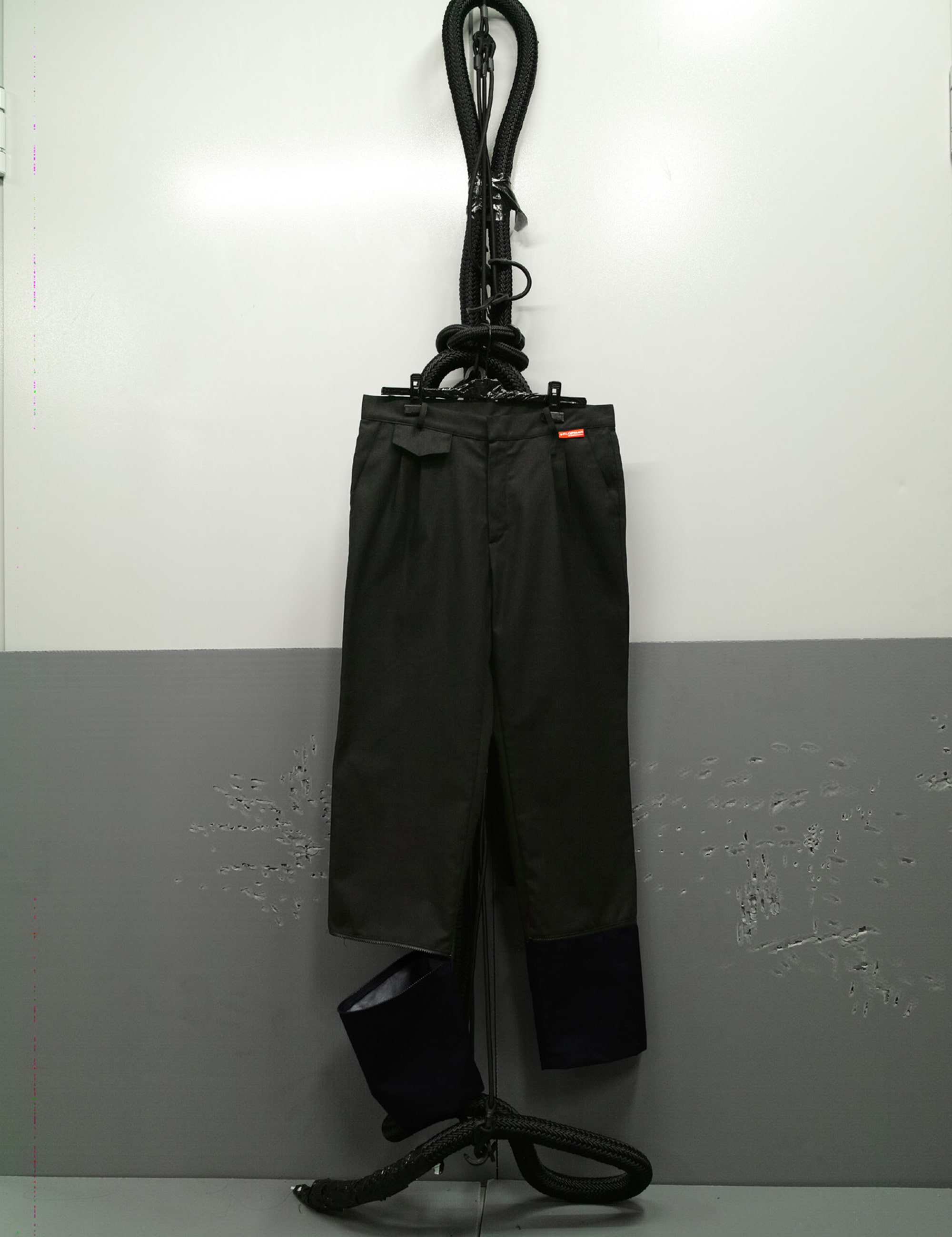 WHINCHESTER_TLC_GAITER_PANTS_BLACK